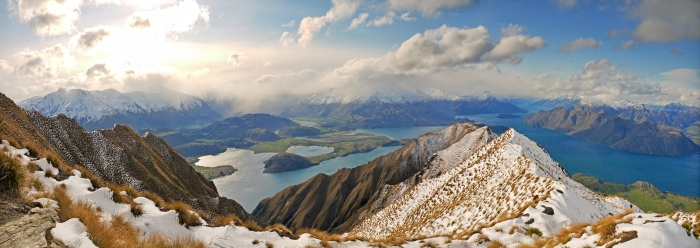 Roys Peak overlooking Lake Wanaka, New Zealand